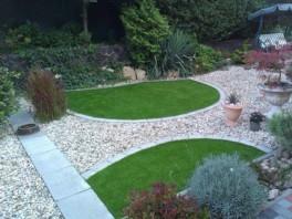 Záhradné plochy, s presným orezom do požadovaného tvaru...